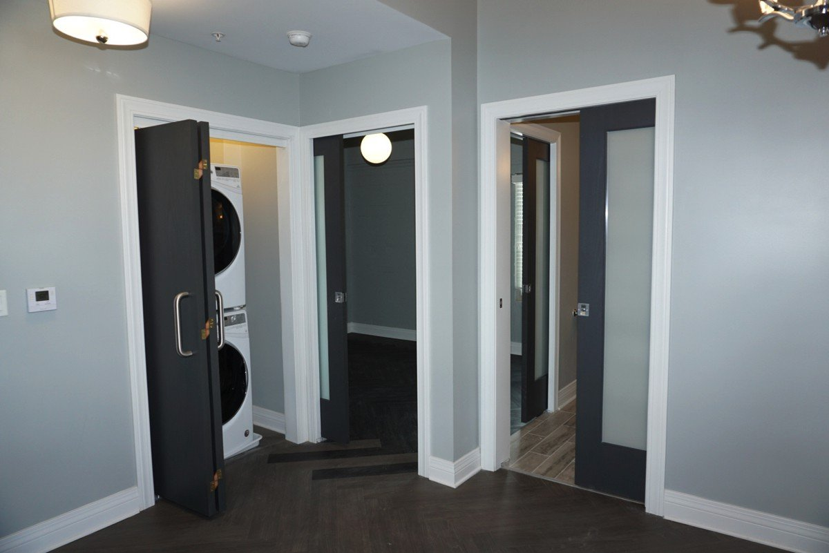 The Alexandre - doors and wash closet