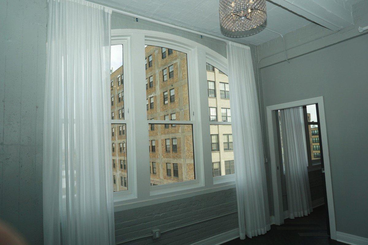 The Alexandre - large window